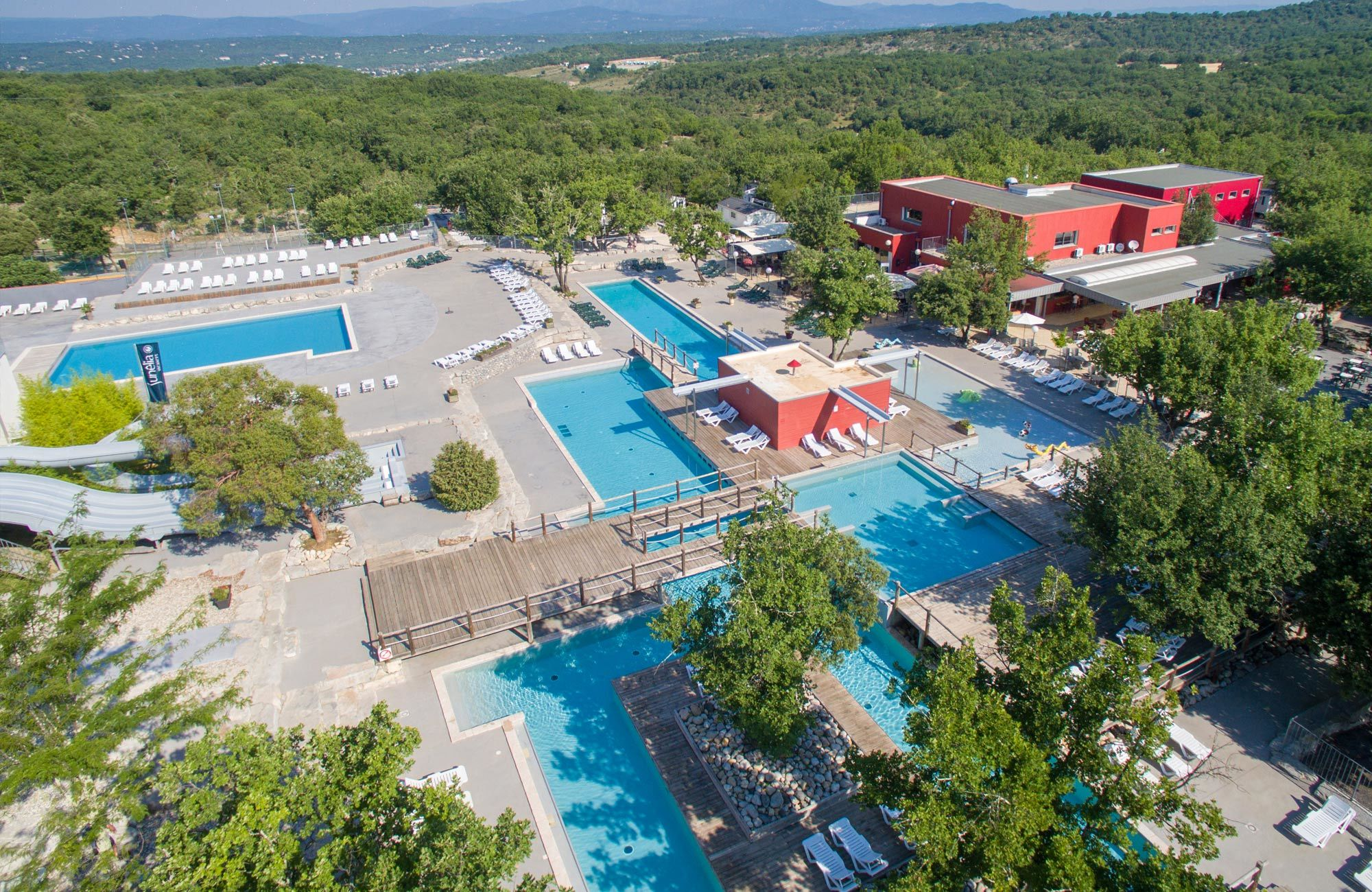 camping 5 etoiles ardeche camping ruoms ardeche sud With camping ardeche 2 etoiles avec piscine 8 location mobil home 4 6 personnes camping 3 berrias et